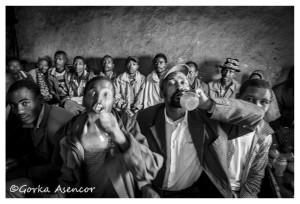 FOTO AFRICA ETIOPIA BAR HOMBRES TEJ