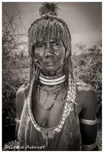 FOTO AFRICA ETIOPIA MUJER HAMER