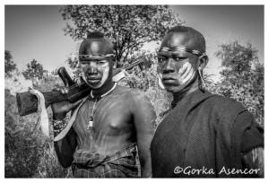 FOTO AFRICA ETIOPIA MURSIS FUSIL