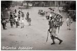 FOTO AFRICA ETIOPIA MUJER LEÑA