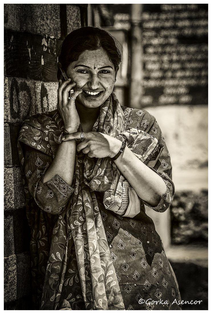 INDIA CHICA TELEFONO