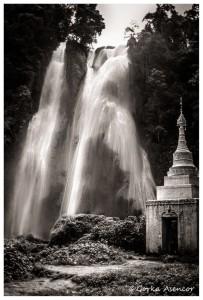 BIRMANIA MYANMAR CASCADA