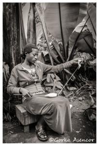 FOTO AFRICA ETIOPIA DORCE TEJIENDO