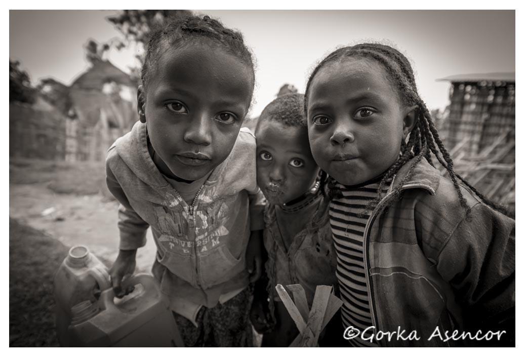 FOTO AFRICA ETIOPIA NIÑOS DORCE